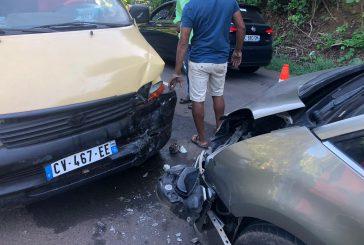 Accident entre une voiture et un taxi à Tsararano
