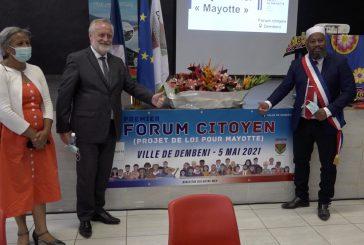 Dembéni : un forum citoyen avec les Mahorais et le préfet sur la loi Mayotte
