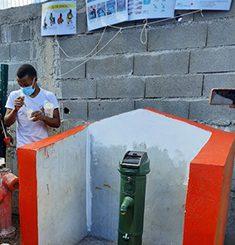 Inauguration d'une borne fontaine à Combani sur fond de polémique