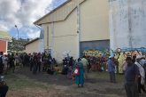 Embouteillages devant les portes du gymnase de Cavani