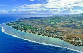 La Réunion plonge dans le confinement partiel  et renforce son couvre-feu