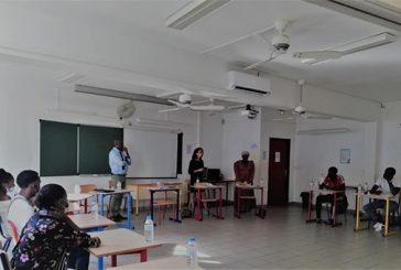 La stagiaire de l'ENA à la rencontre des lycéens de Sada