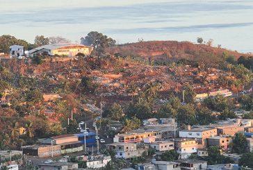 Première image après l'incendie de la mairie de Koungou